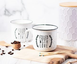 Make a DIY coffee candle mug for yourself or give one to the coffee lovers in your life. They make quite an inexpensive gift when you upcycle a mug and make your own coffee oil.