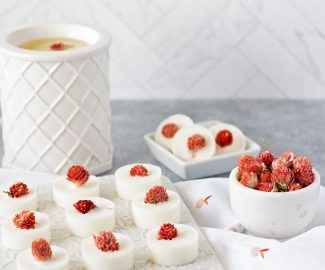 If you're thinking making candles from scratch sounds way too hard, why not start with learning how to make wax melts first? These creamy soy wax melts with dried flowers take just minutes to make!